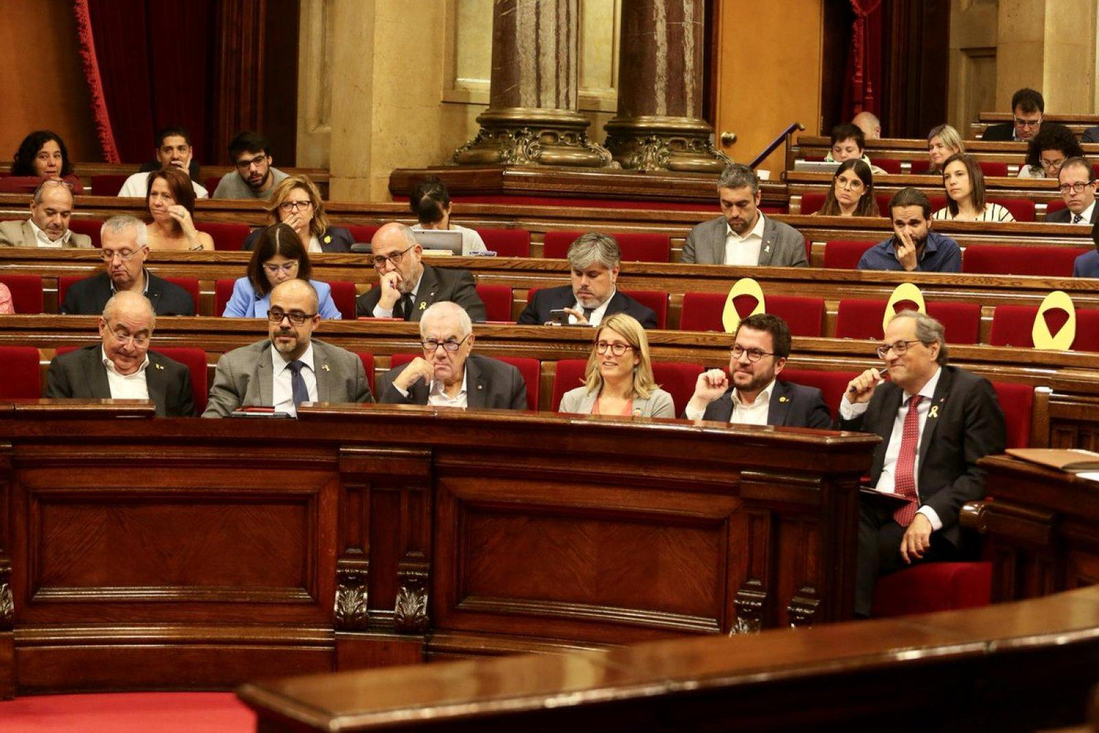 El President Quim Torra i altres membres del Govern al Parlament