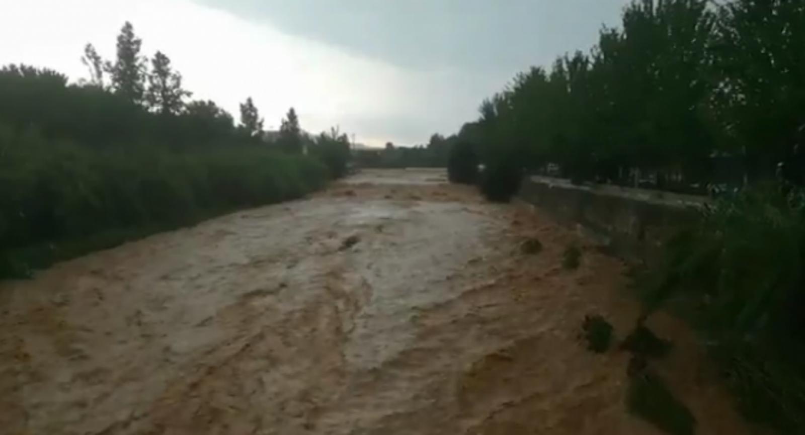 La Riera de Rubí, plena com a conseqüència de les pluges