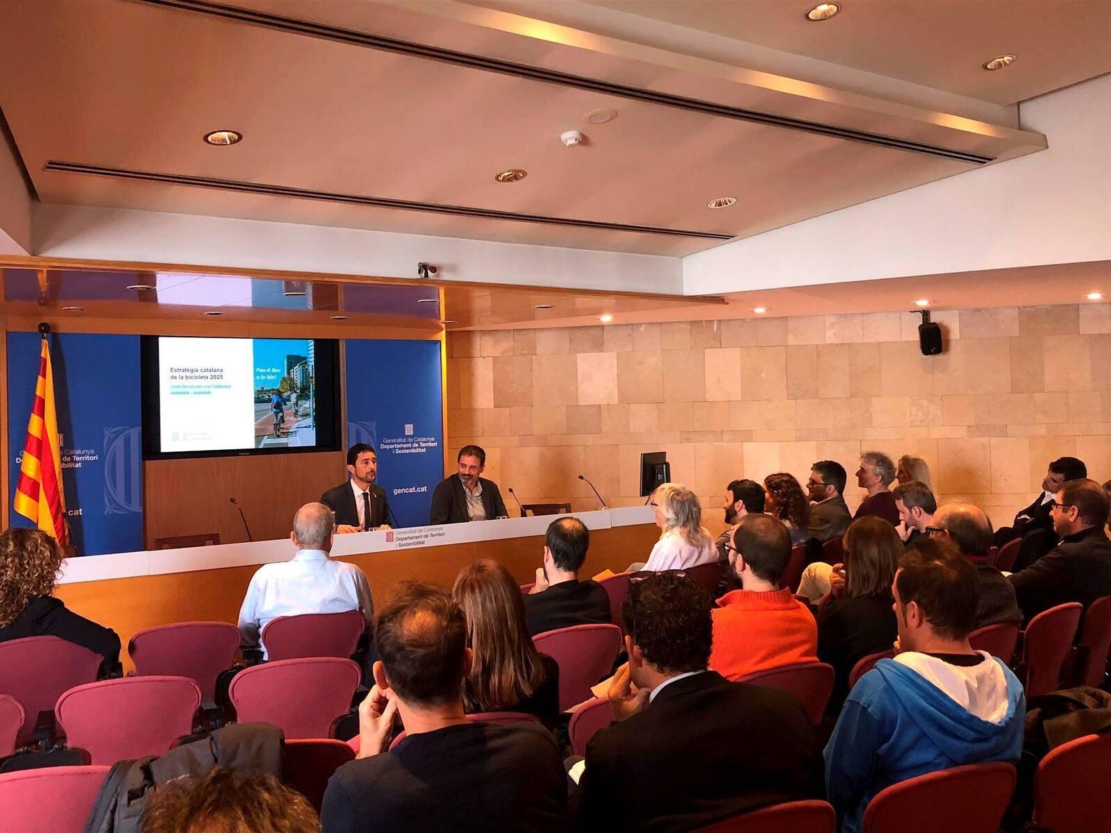 El conseller Calvet durant la presentació de l'Estratègia Catalana de la Bicicleta