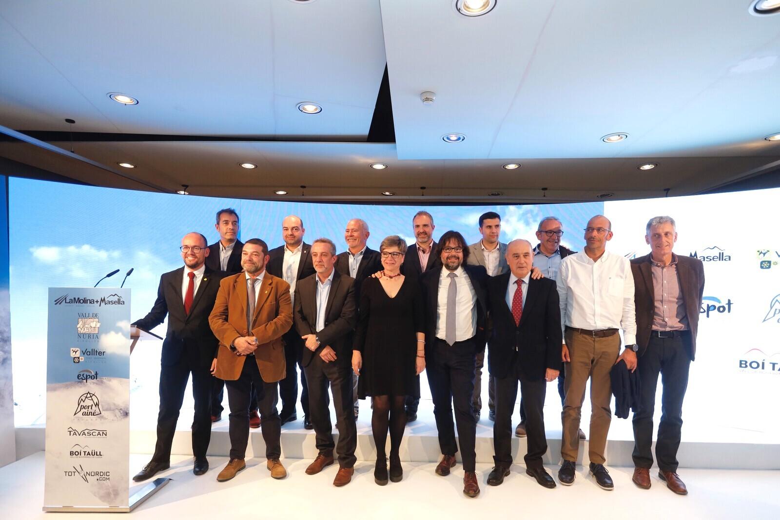 Ricard Font i la resta d'assistents a la presentació de la nova temporada d'esquí a Catalunya