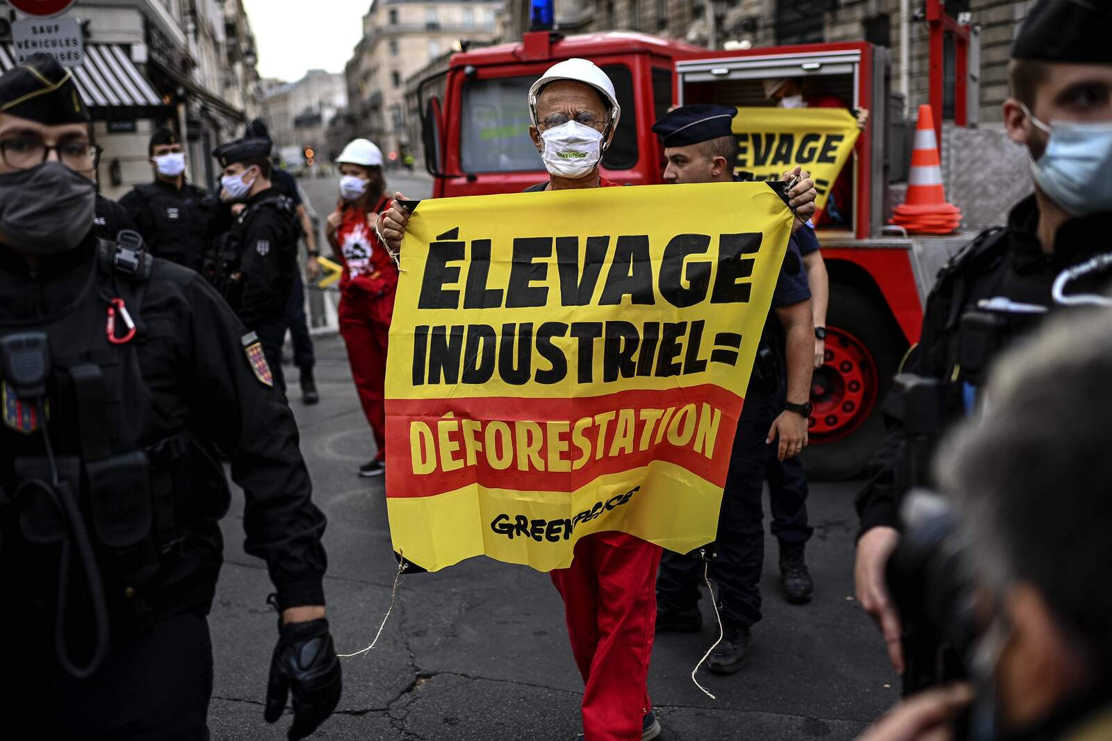 Activista climàtic protesta a França