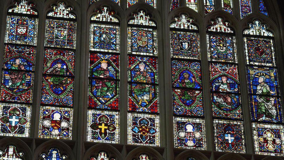 Vitralls a la catedral de Canterbury   BBC